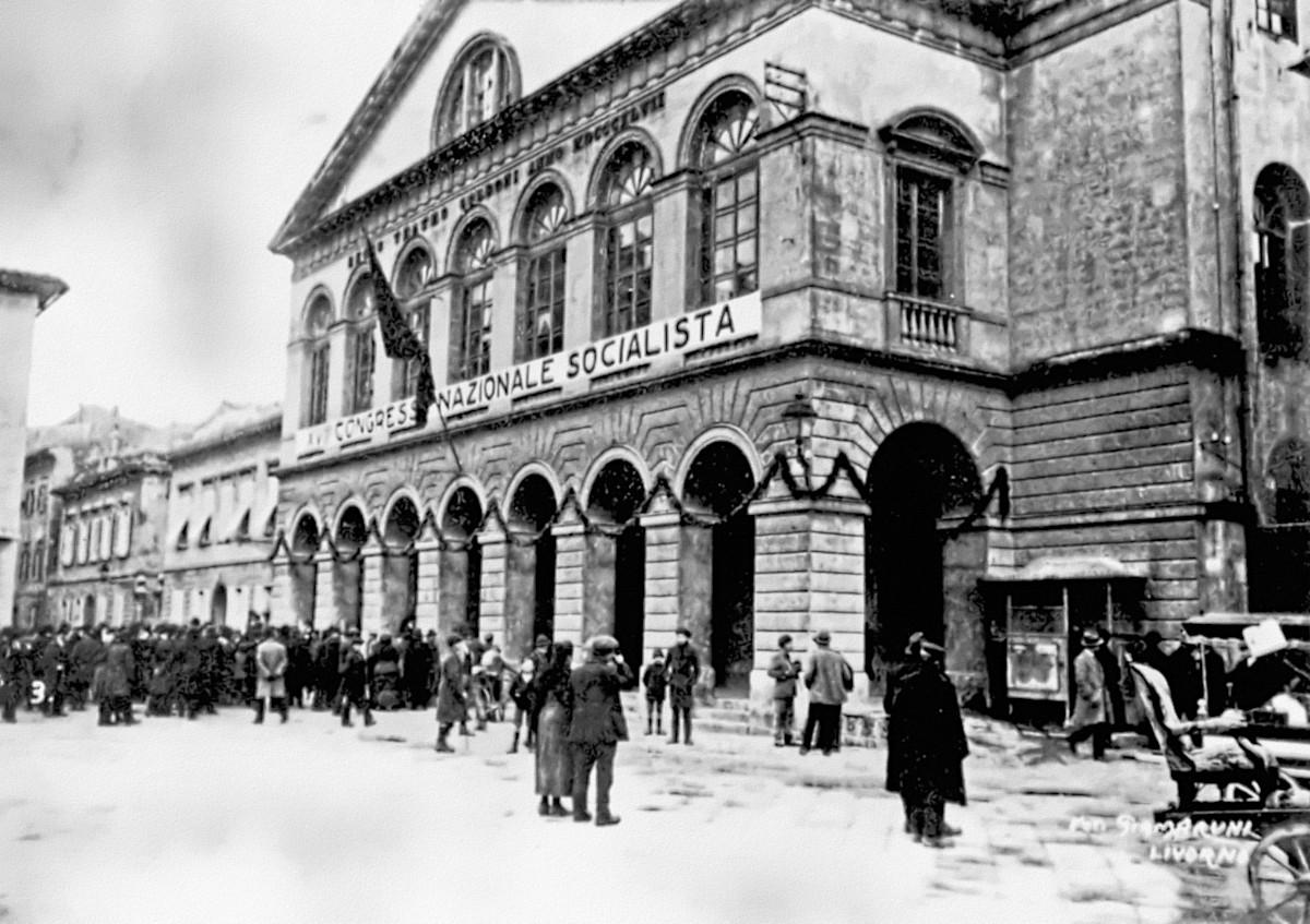 Il teatro Goldoni di Livorno, sede del XVII congresso del Partito socialista